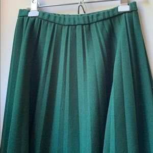 Vintage forest green pleated skirt